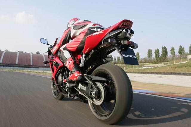 Тест-драйв мотоцикла Honda CBR1000RR