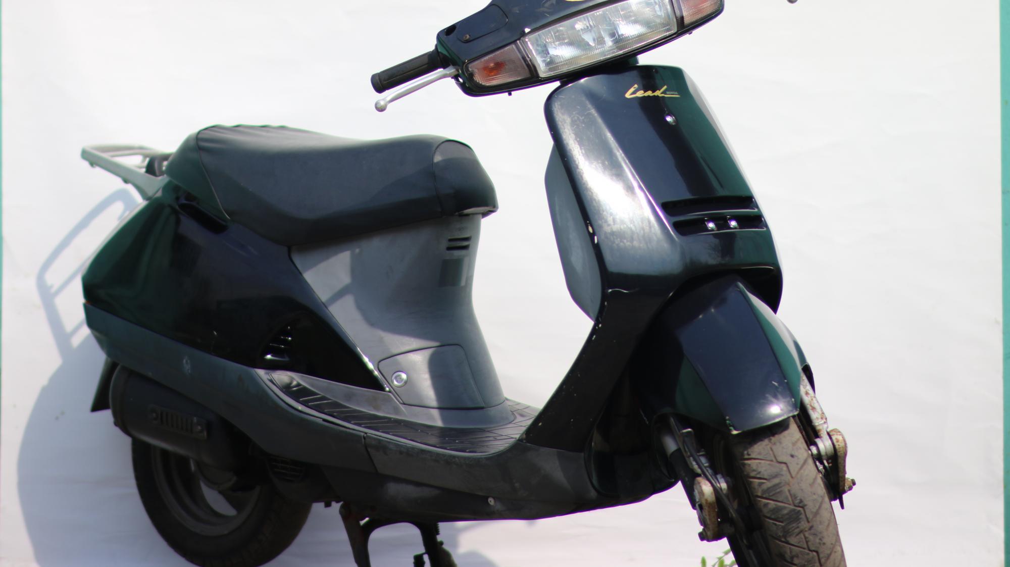 Honda Lead AF-20, обзор скутера