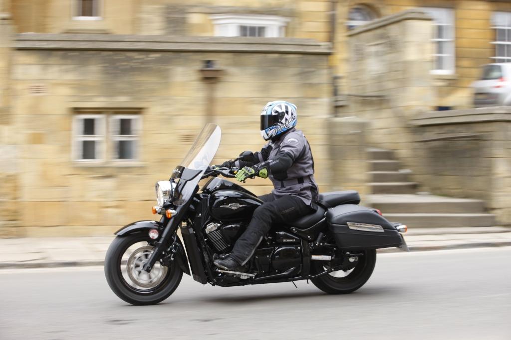 Тест-драйв мотоцикла Suzuki Intruder C800