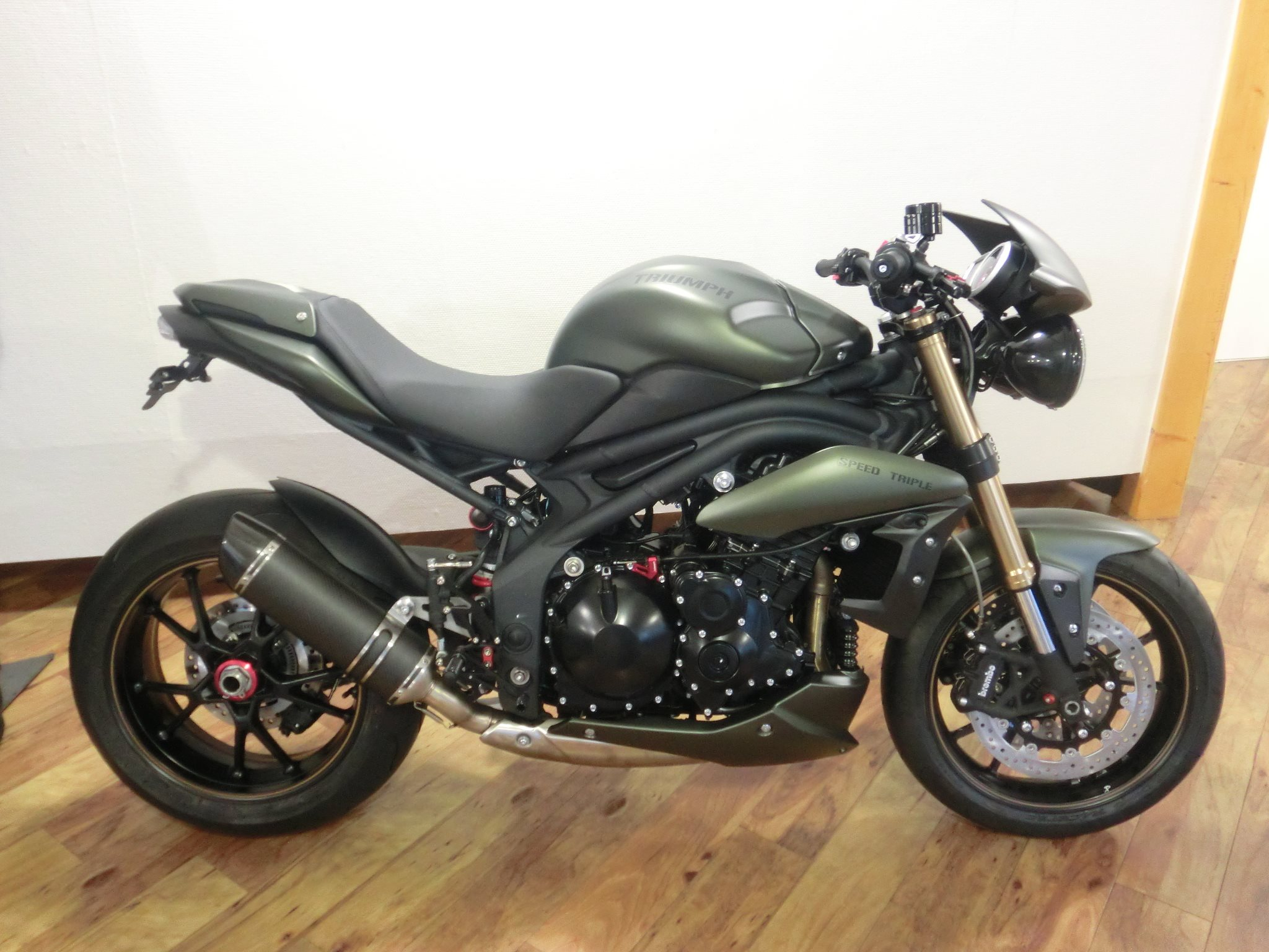 Мотоцикл Triumph Speed Triple Carbon Limited Edition (2009)