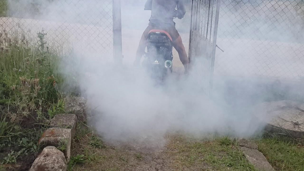 Скутер дымит – причины и последствия