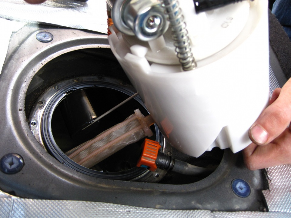 Чистка и замена топливного фильтра на скутере