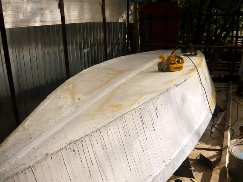 Самодельная рабочая лодка из армоцемента
