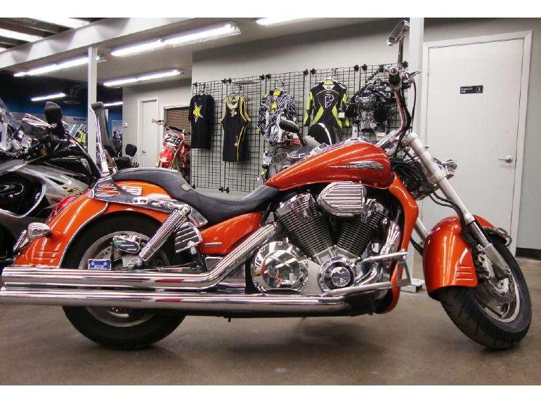 Тест-драйв мотоцикла Honda VTX1800