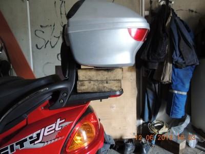 Установка кофра на скутер, выбор и рекомендации
