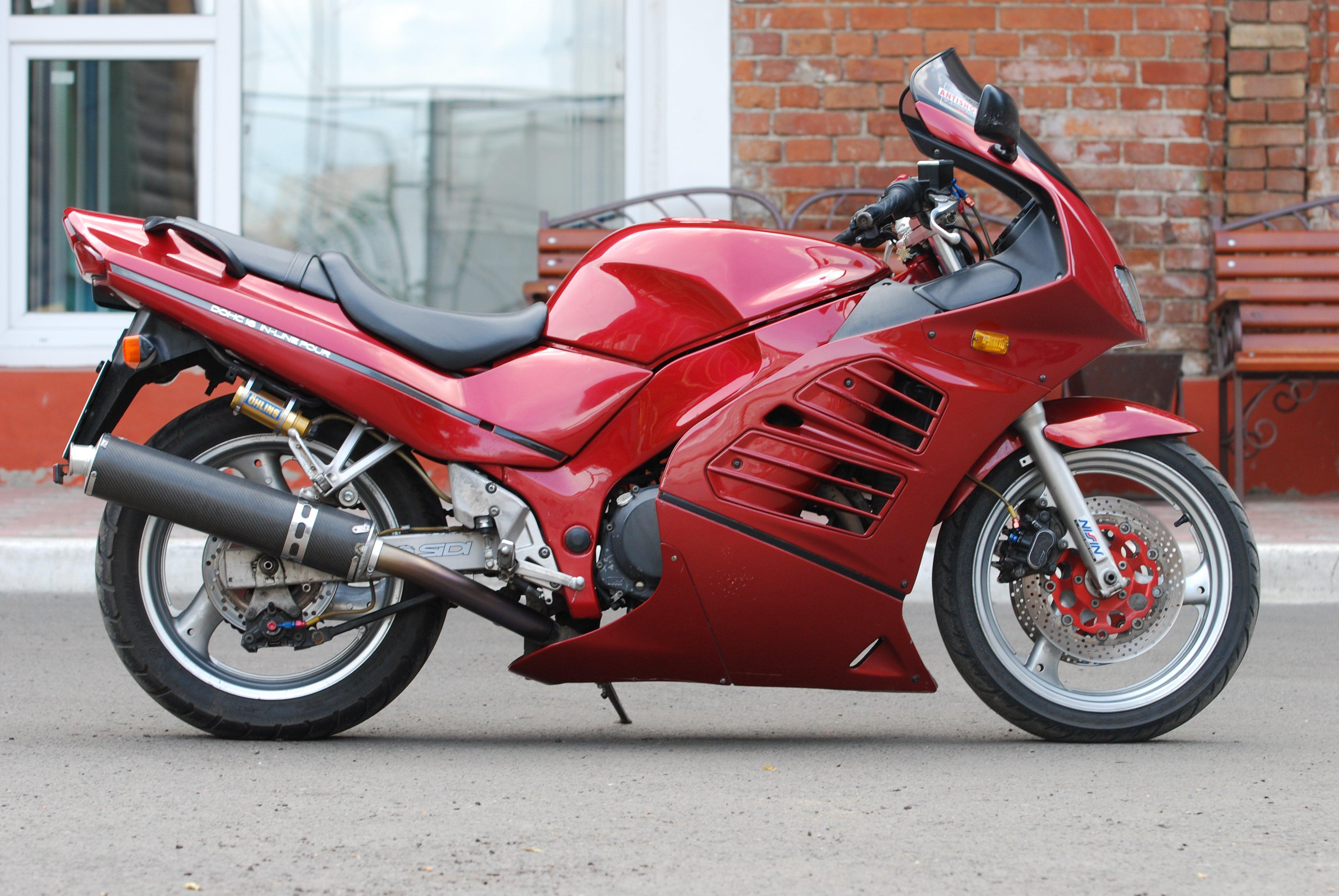 Тест-драйв мотоцикла Kawasaki ZZR 400