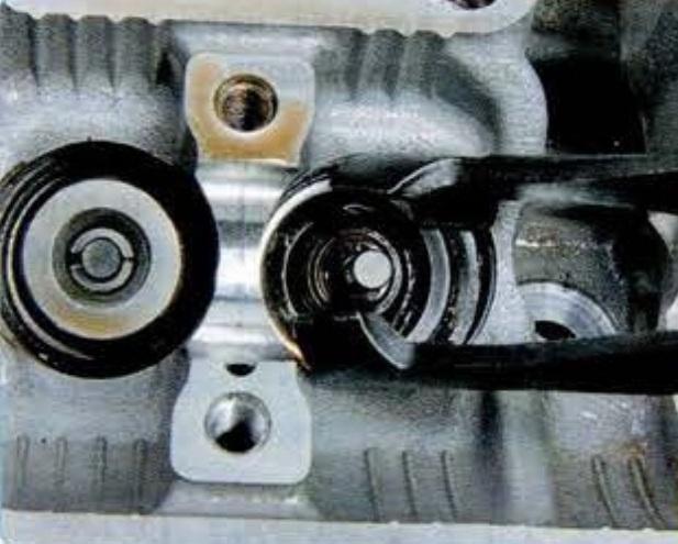 Направляющие втулки клапанов.   направляющая втулка клапана