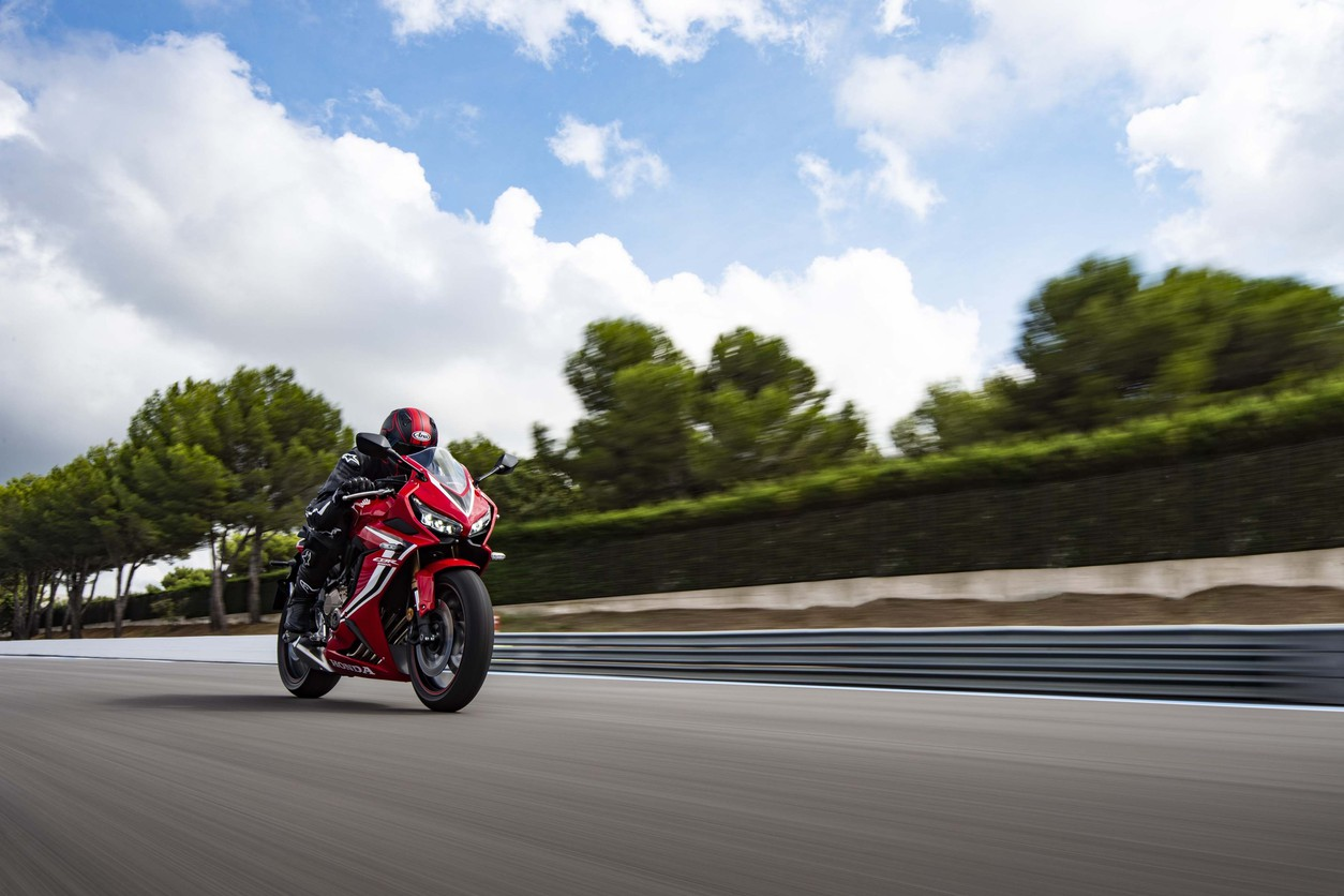 Тест-драйв мотоцикла Honda CBR650F