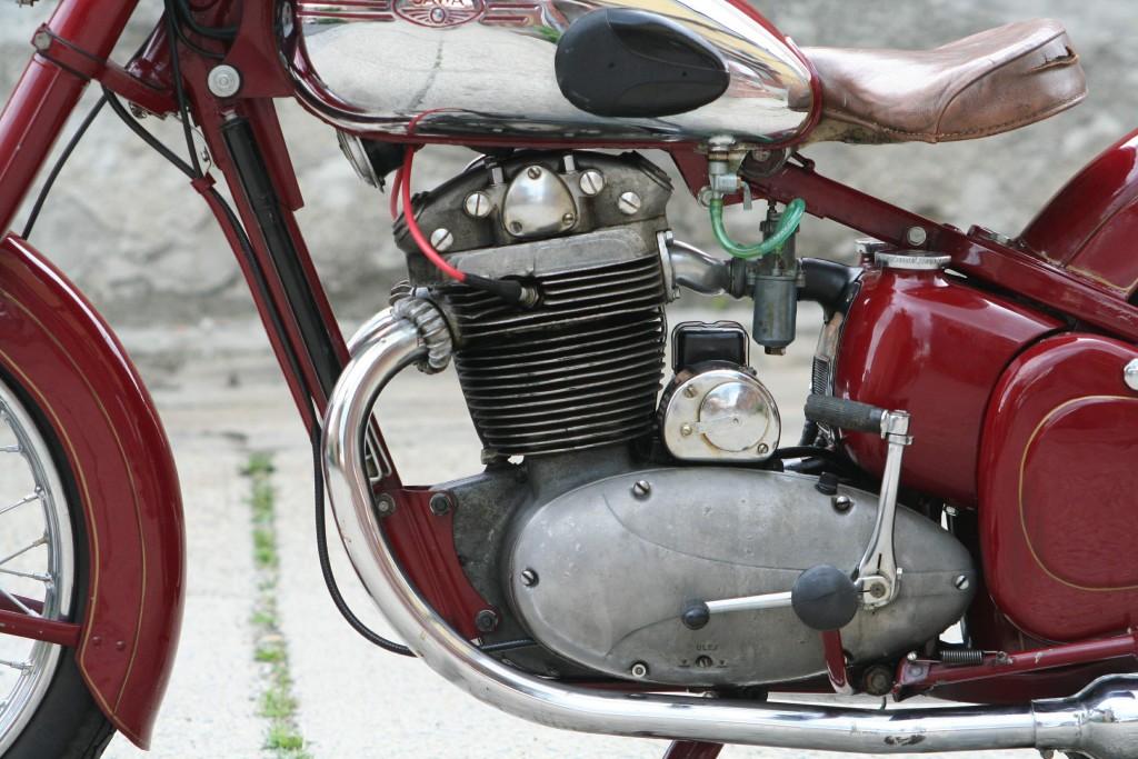 Инструменты для обслуживания мотоциклов и мопедов Ява и ЧЗ