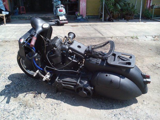 Скутер с двигателем от мотоцикла