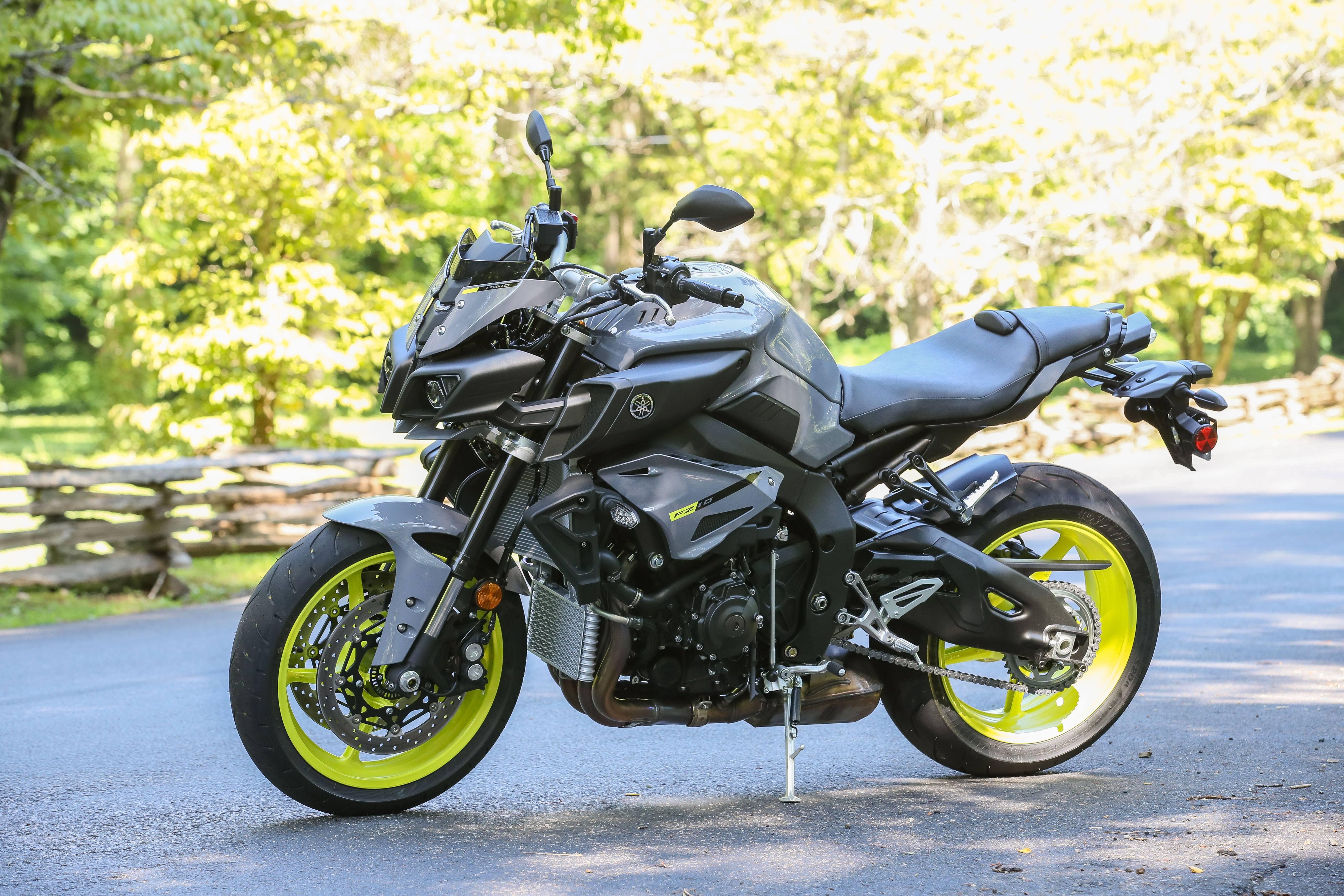 Обзор мотоцикла Yamaha MT-10