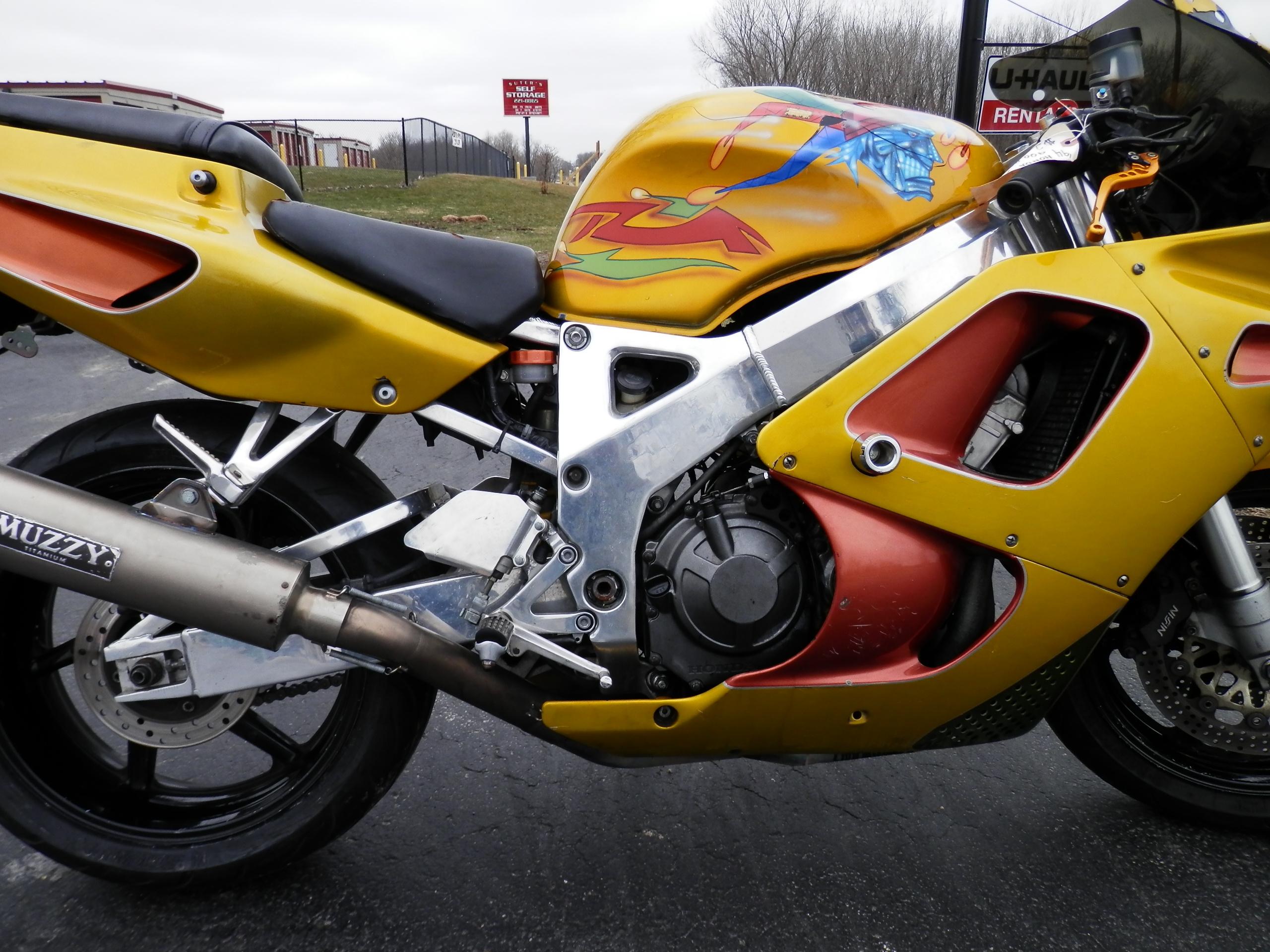 Мануалы и документация для Honda CBR900RR Fireblade