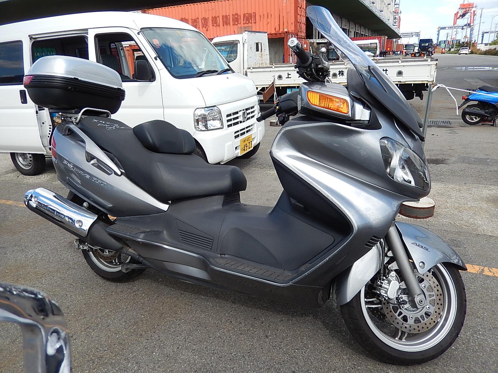 Поступил в продажу новый Suzuki Skywave 650LX