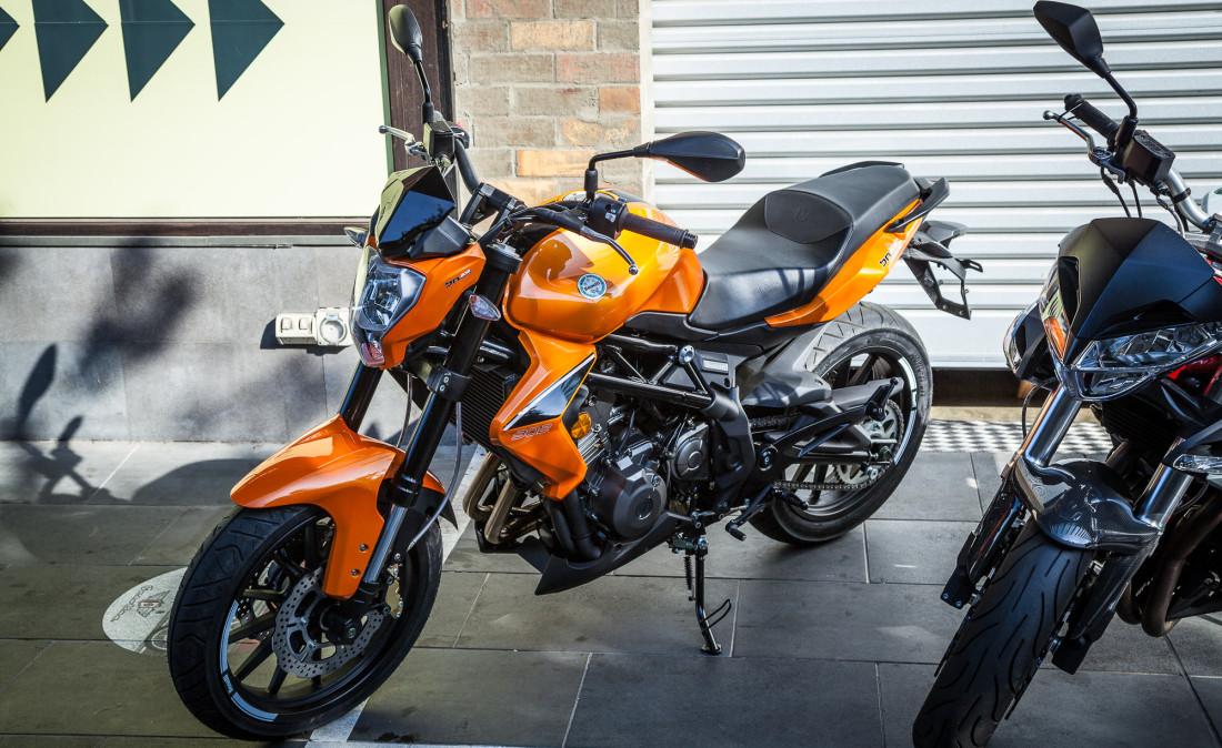 Двухсот кубовые мотоциклы от компании Stels