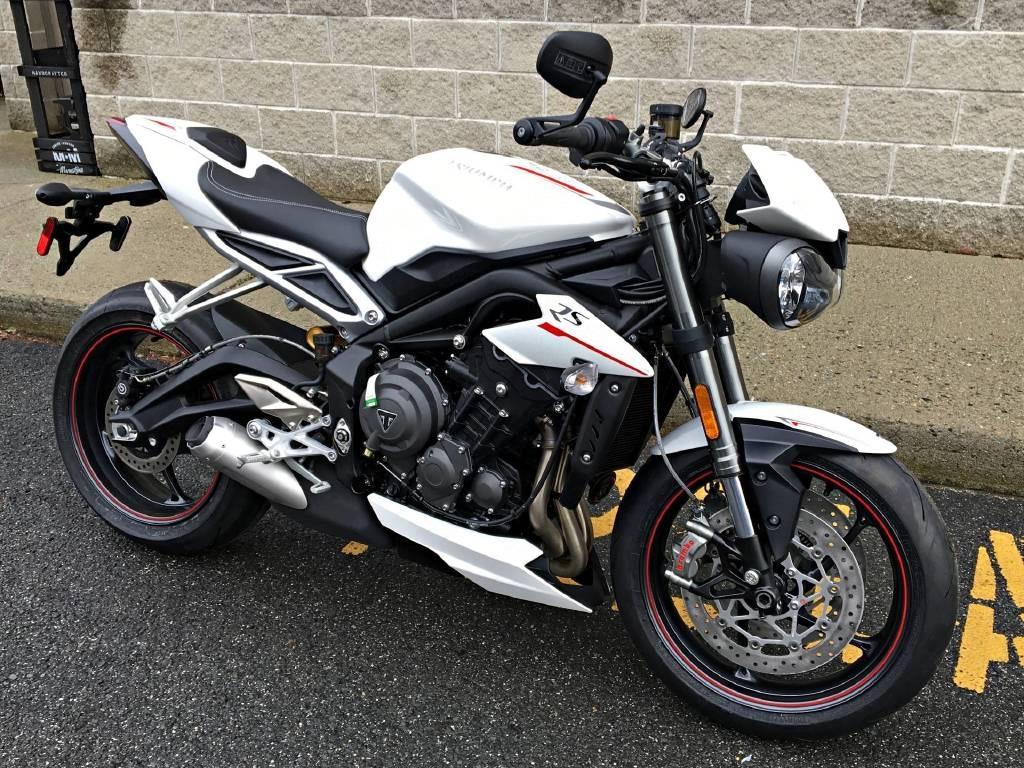 Обзор мотоцикла Triumph Street Triple R