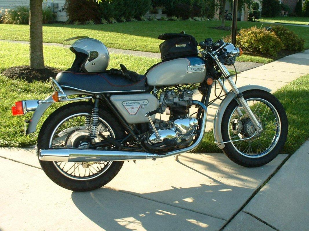 Мотоцикл Triumph Bonneville 750 T140E Final Edition (1982)