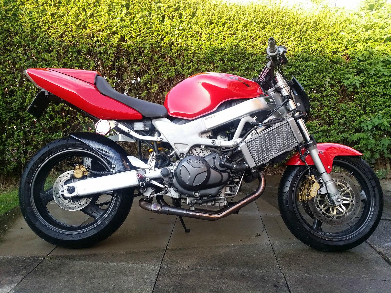 Обзор мотоцикла Honda VTR1000F Firestorm