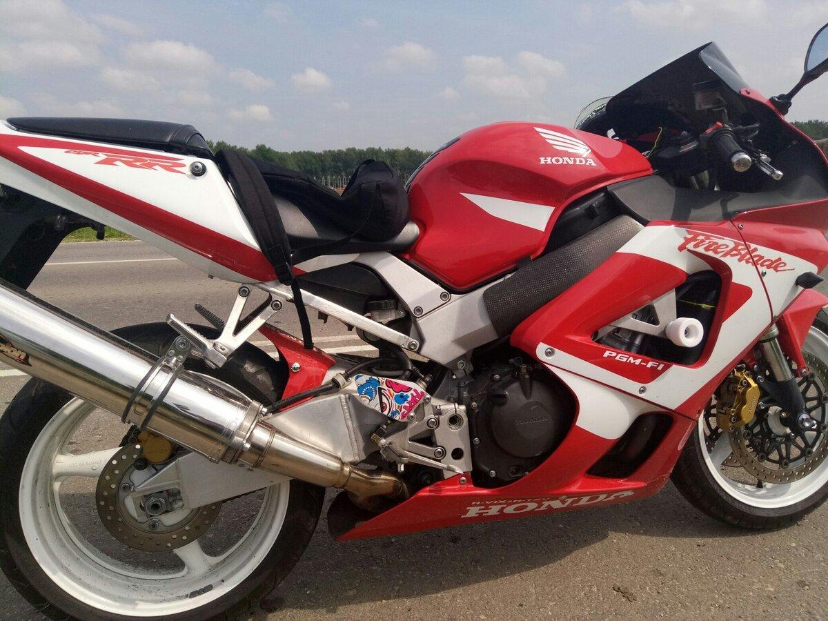Тест-драйв мотоцикла Honda CBR929RR Fireblade