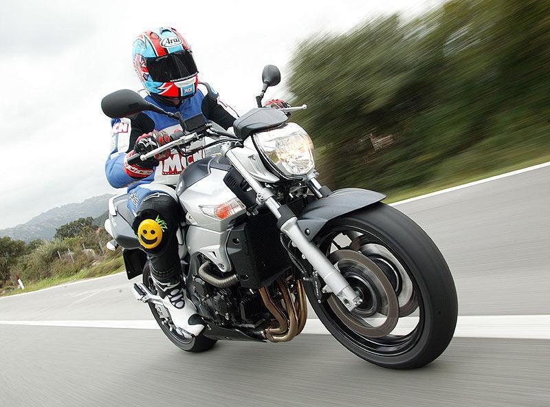Тест-драйв мотоцикла Suzuki GSR600