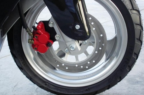Обслуживание дискового тормоза на скутере
