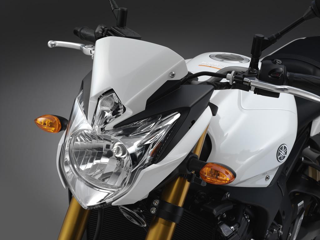 Обзор мотоцикла Yamaha FZ8-N Fazer