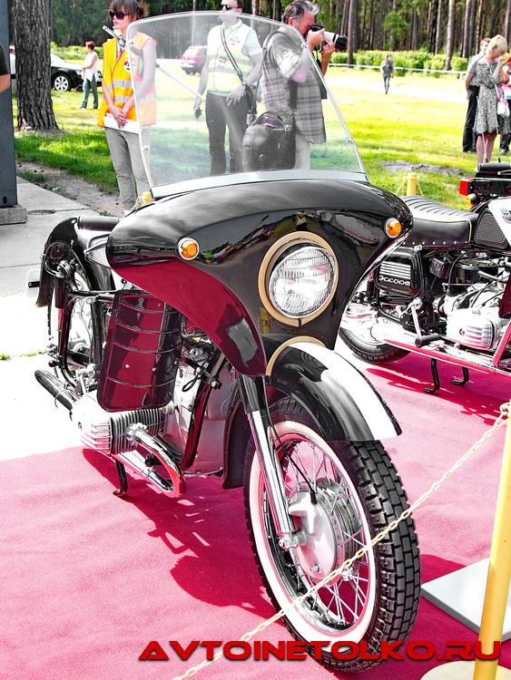Мотоцикл Днепр Кремлевский Эскорт