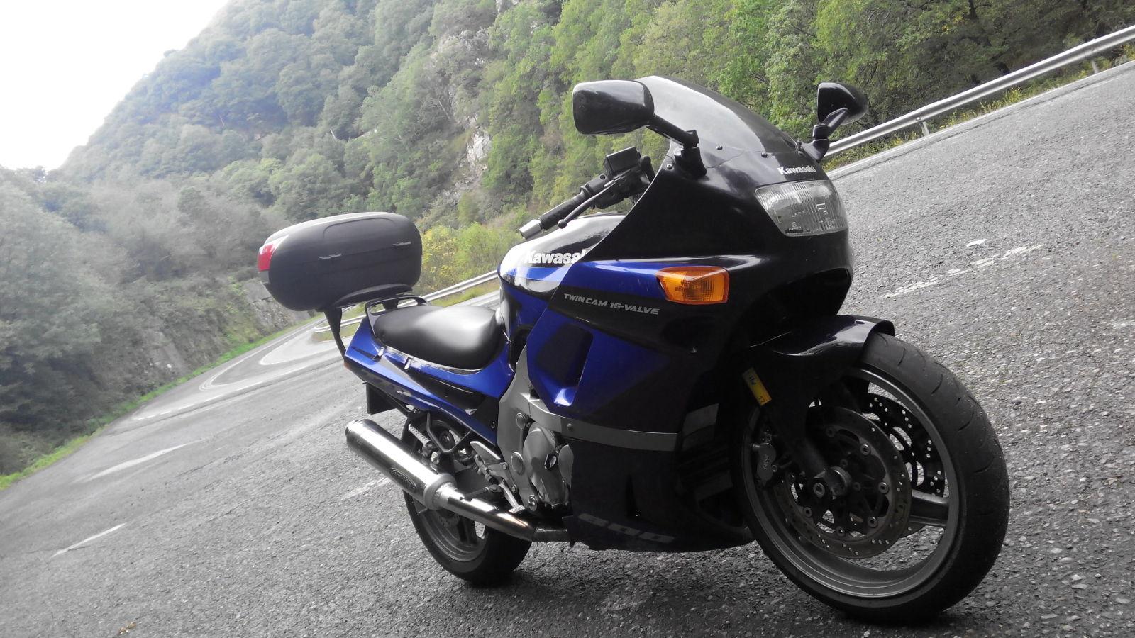 Тест-драйв мотоцикла Kawasaki ZZR600
