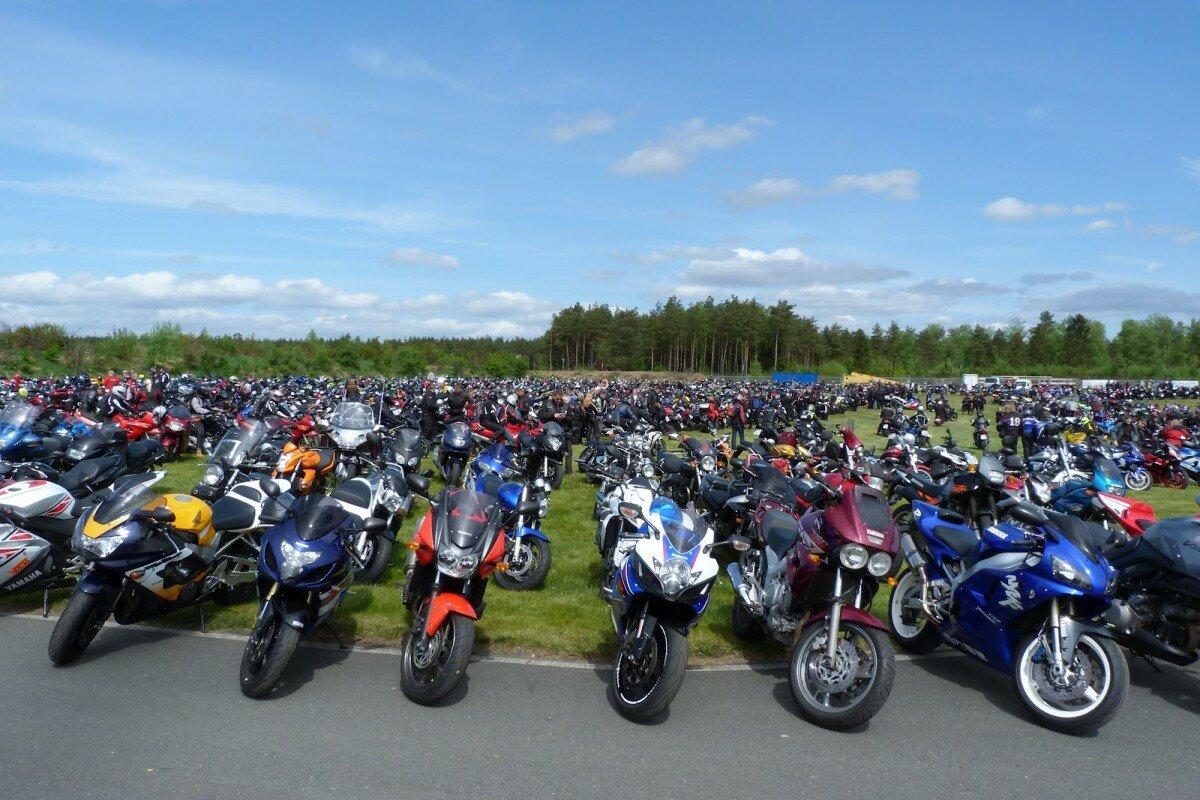 Мало кто покупают новые мотоциклы в России, с чем это связано?