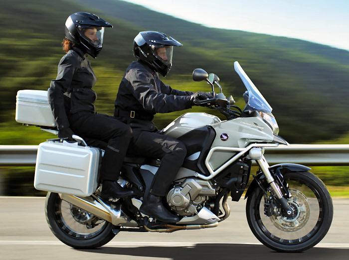 Тест-драйв мотоцикла Honda VFR1200X Crosstourer