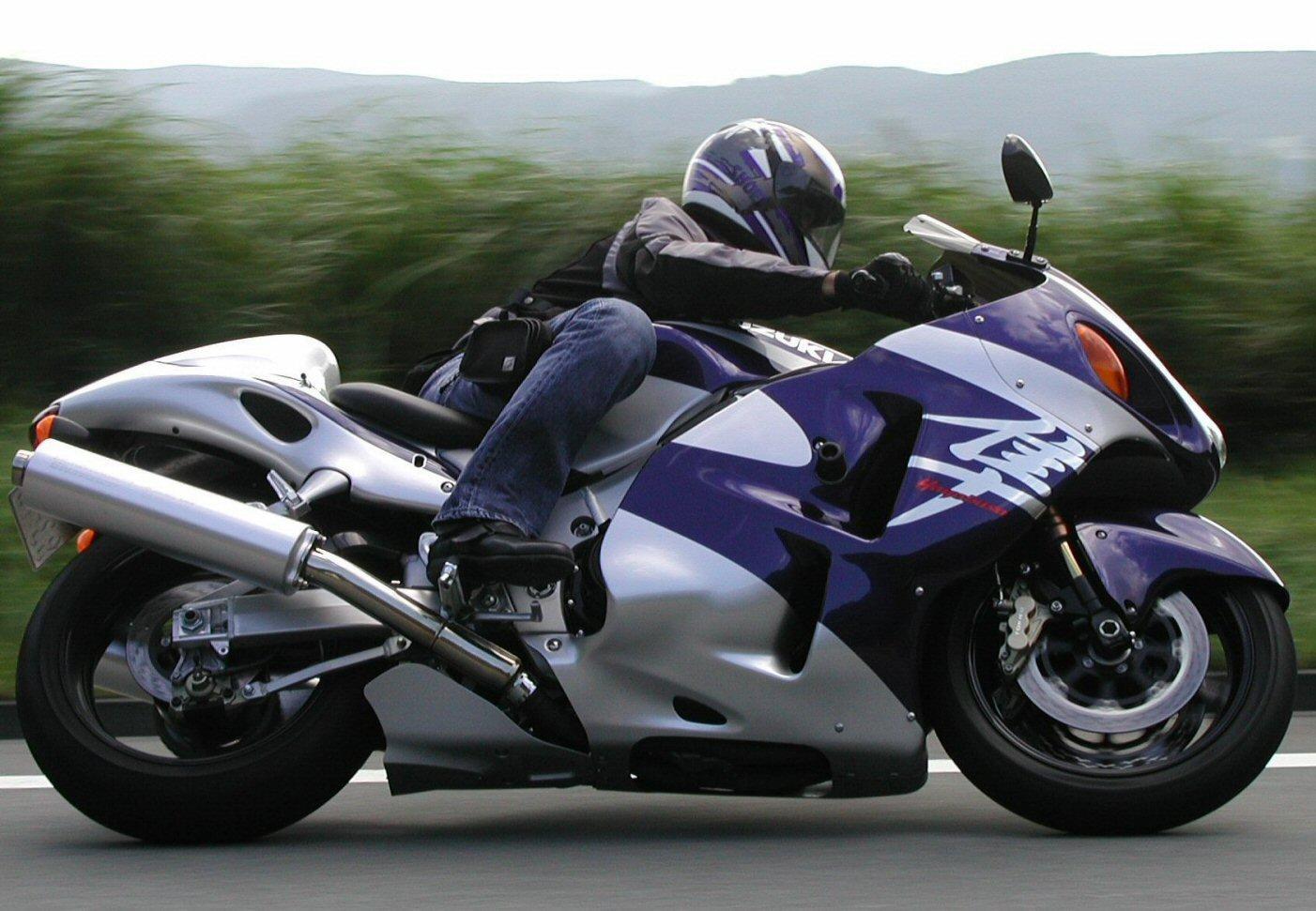 Обзор мотоцикла Suzuki GSX1300R Hayabusa