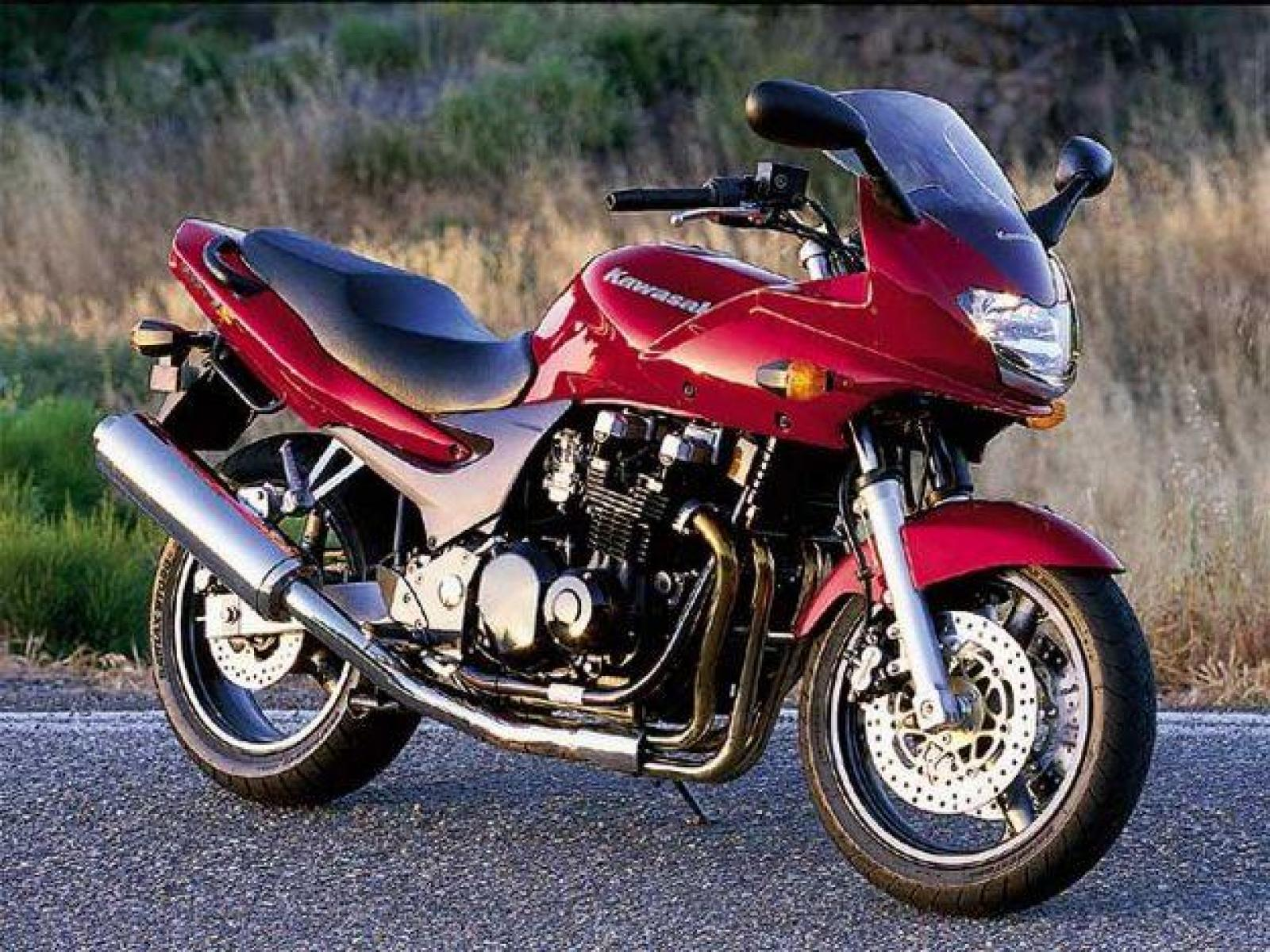 Тест-драйв мотоцикла Kawasaki ZR-7