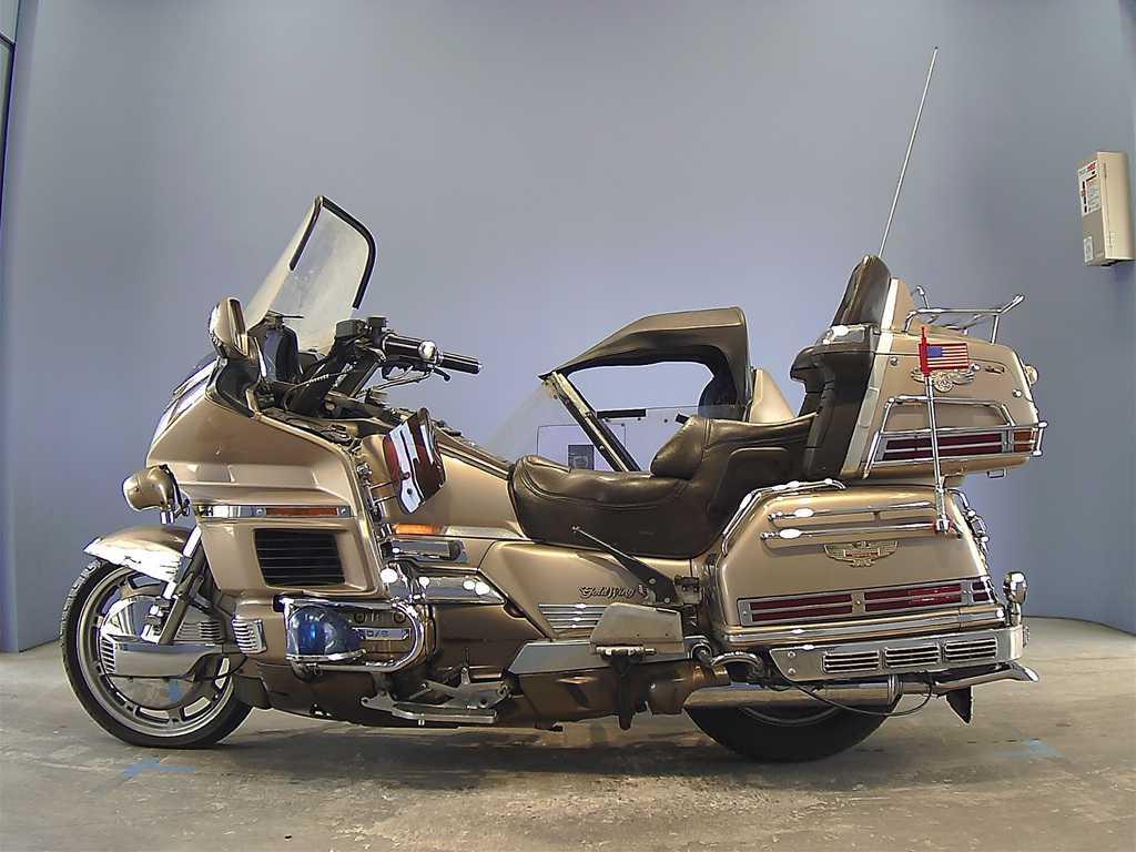 Тест-драйв мотоцикла Honda GL1500 Gold Wing