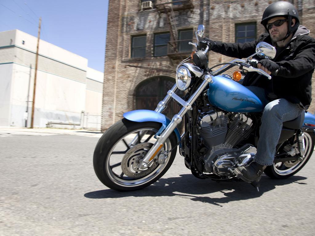 Harley-Davidson 883 SuperLow
