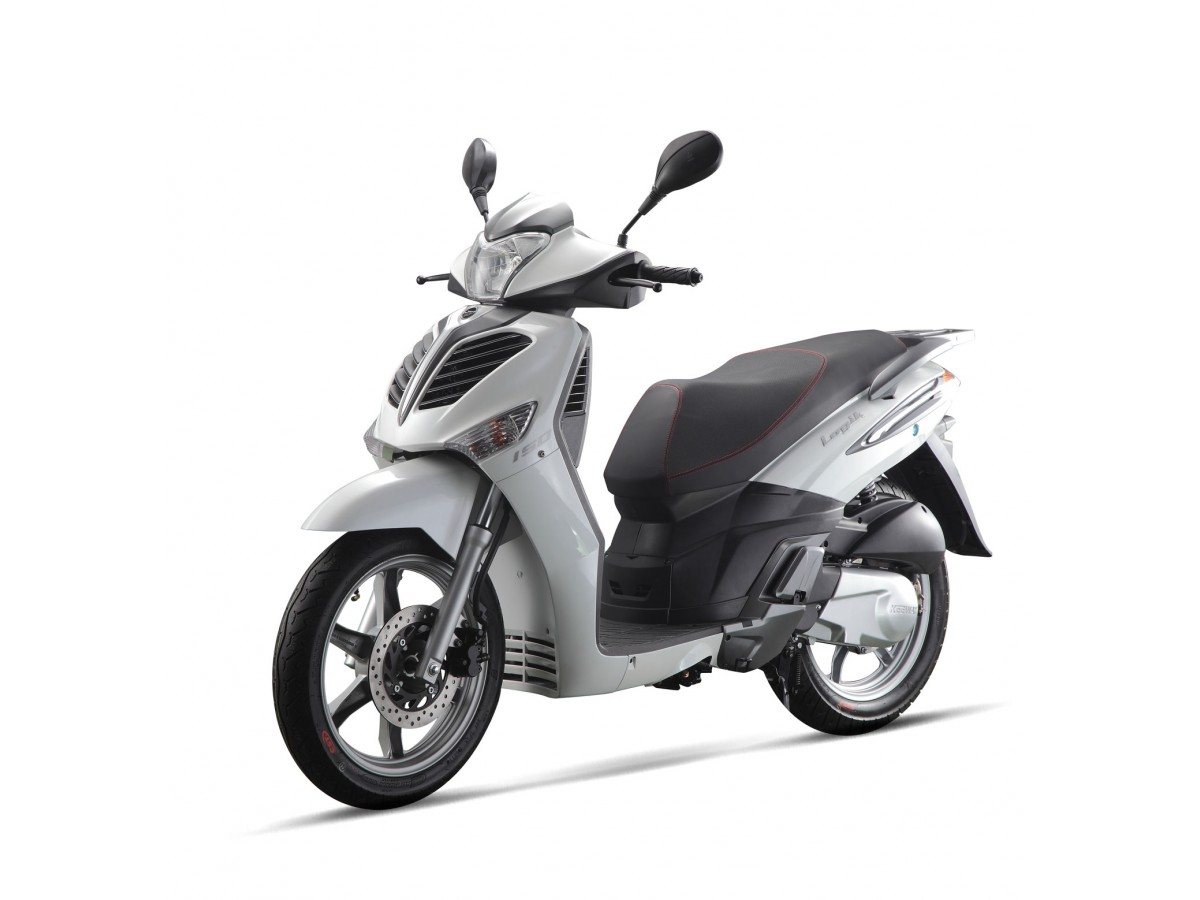Новинка Keeway City Blade 125 – китайский скутер с японской внешностью