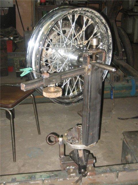 Как выровнять деформированное колесо мотоцикла («восьмёрка» или «яйцо»)