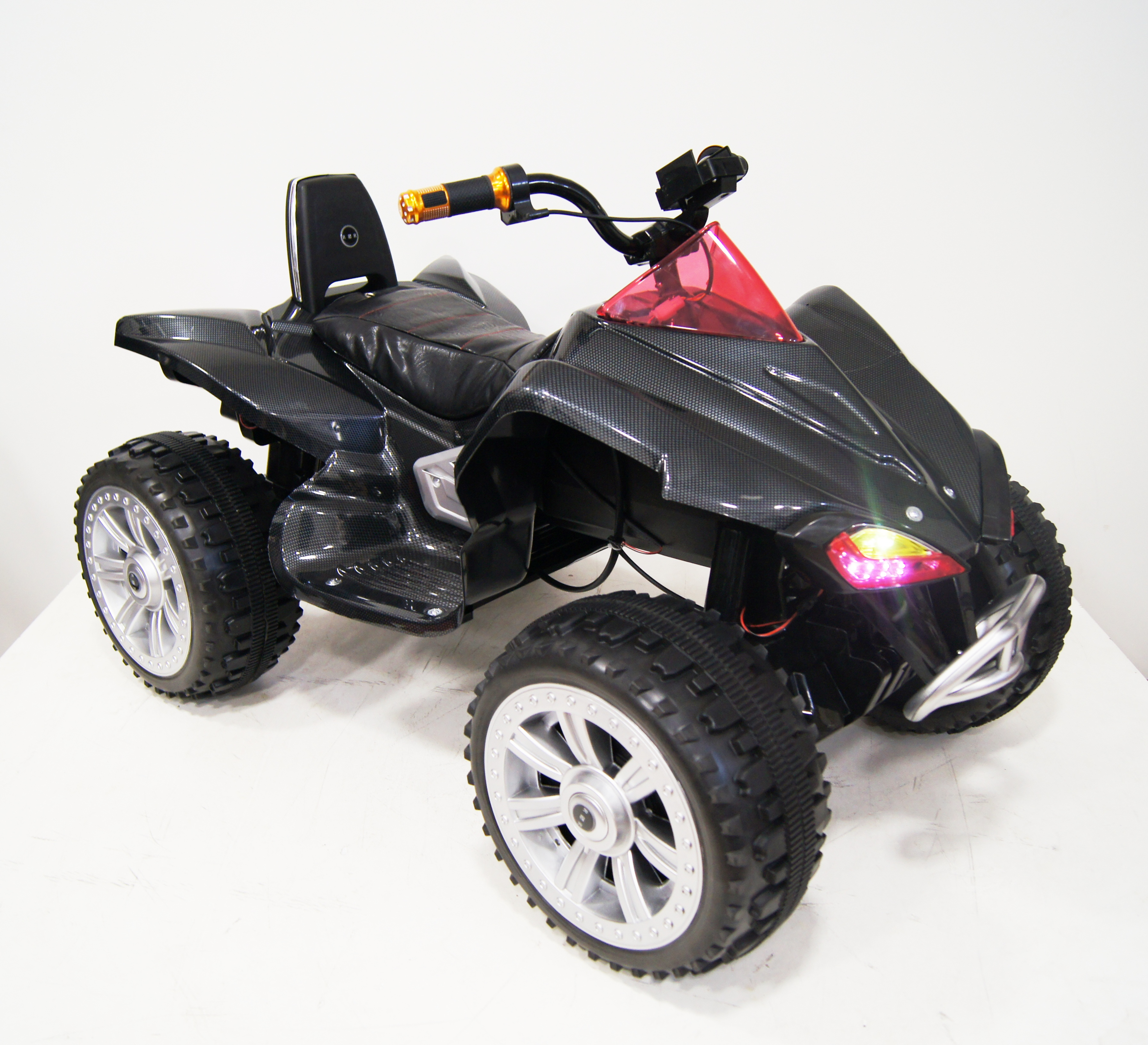 Обзор популярных моделей детских квадроциклов на аккумуляторе