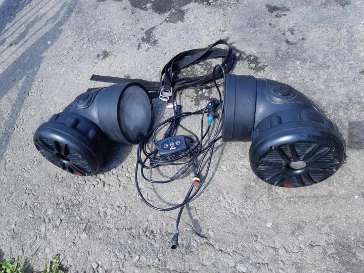Музыка для квадроцикла — блажь или дополнительная порция адреналина? многие считают, что использование аудиосистем на atv не более, чем напрасная трата денег на ненужную игрушку, и предпочитают звукам музыки единение с природой, щебетание птиц и звук дв