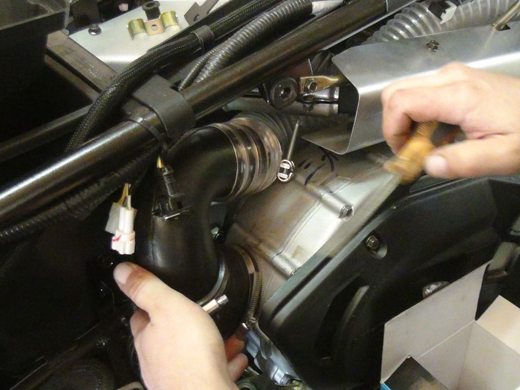 Какое масло залить в двигатель квадроцикла cf moto