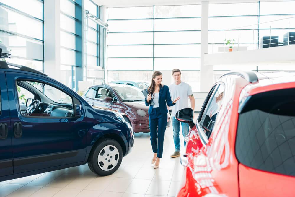 В какое время года лучше покупать автомобиль