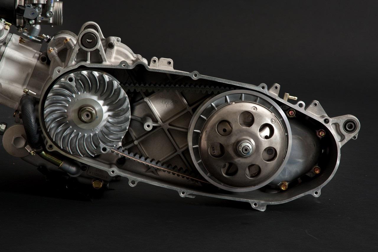 Какой двигатель установлен на скутере — основные типы по производителям