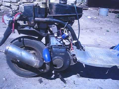 Почему скутер глохнет при добавлении оборотов