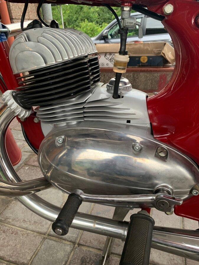 Мотоциклы с объемом двигателя 350 см³