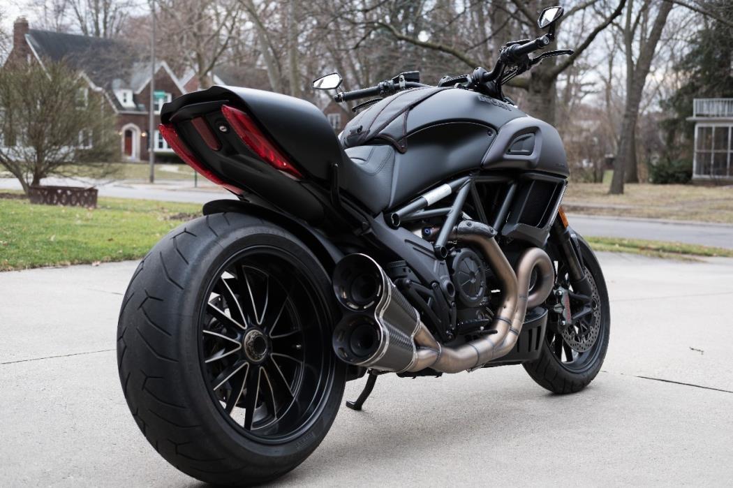 Обзор мотоцикла Ducati Diavel