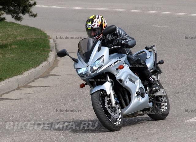 Тест-драйв мотоцикла Yamaha FZS600