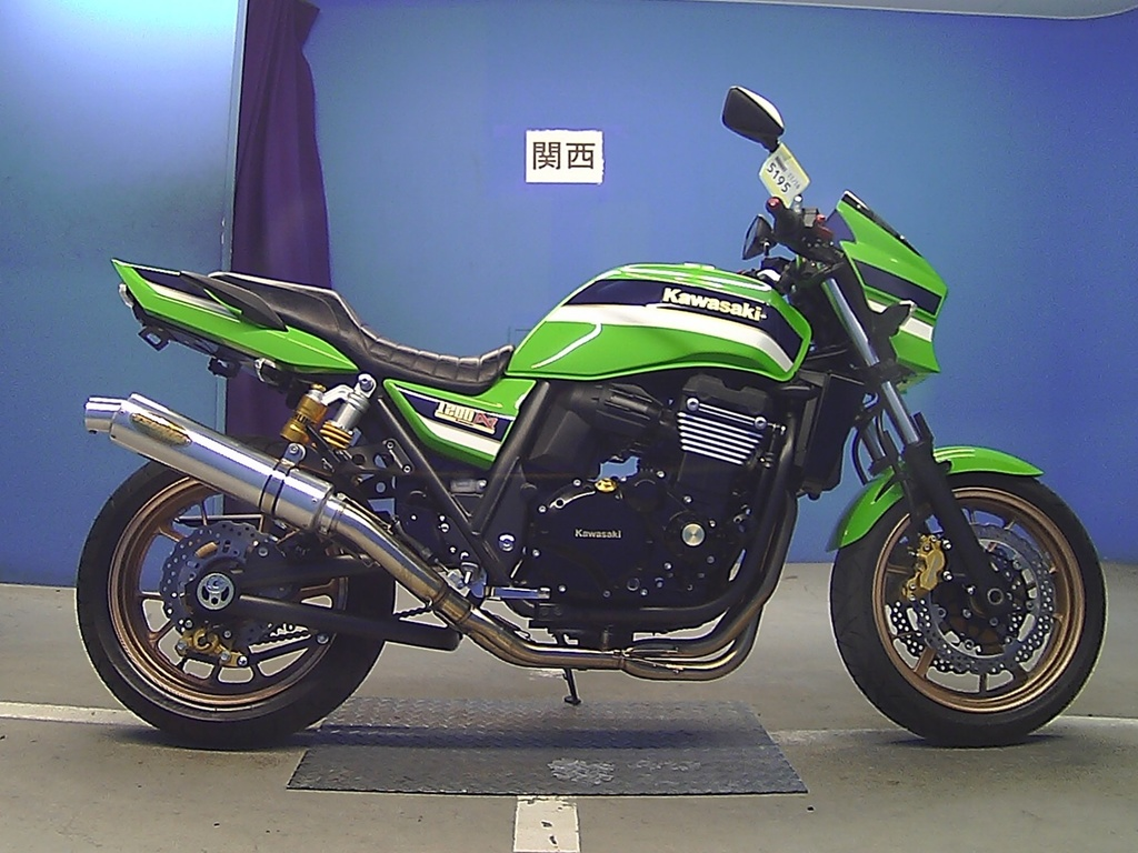 Тест-драйв мотоцикла Kawasaki ZRX1200 DAEG
