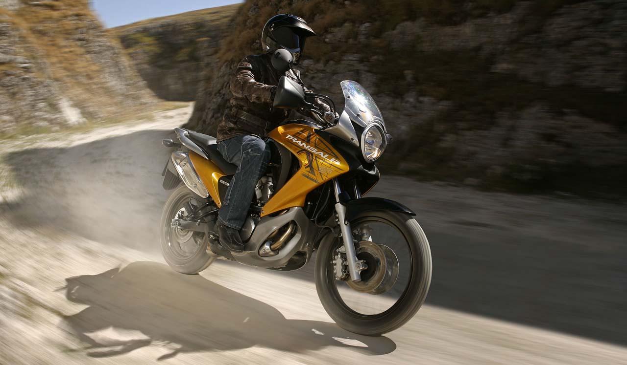 Тест-драйв мотоцикла Honda XL700V Transalp