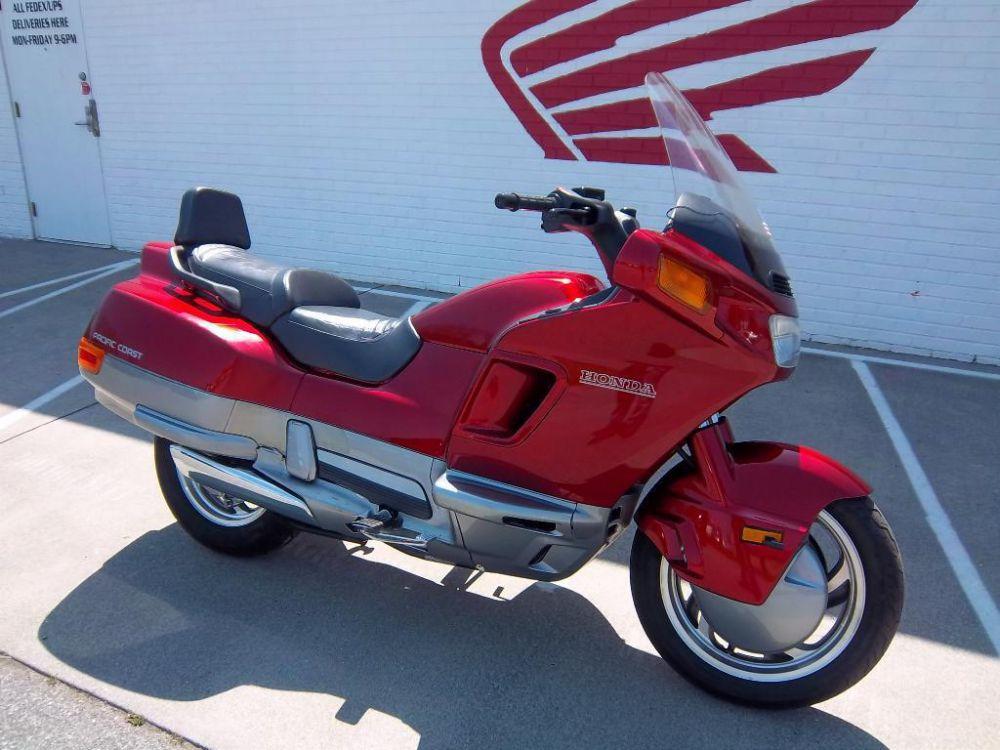 Honda PC800 (Pacific Coast)