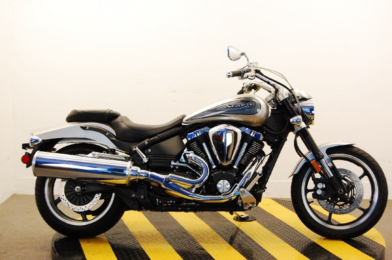 Yamaha Roadstar Warrior (Ямаха Варриор) XV 1700 — японский круизер со спортивным характером