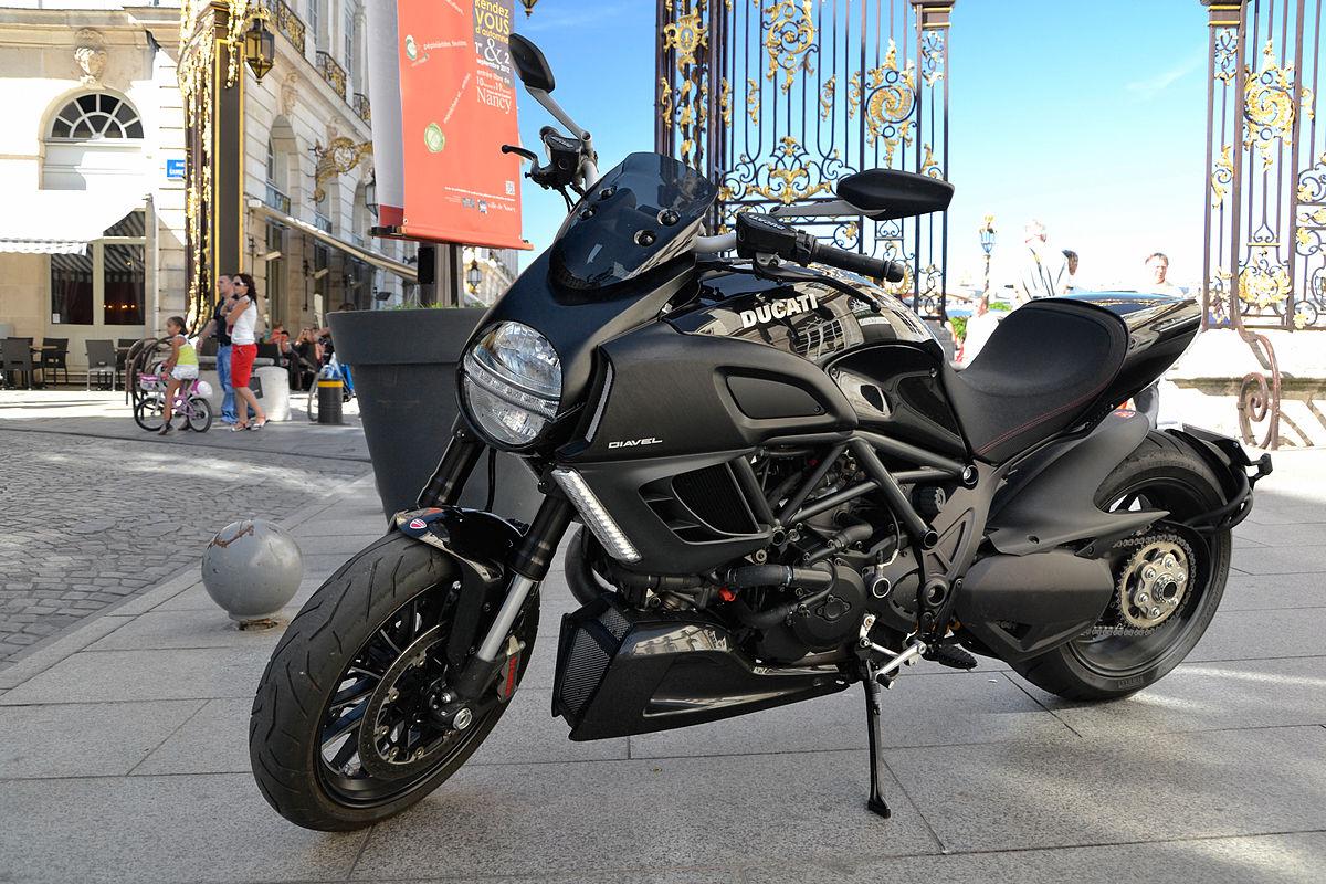 Ducati Diavel (Дукати Дьявол) — обзор мощного мотоцикла с утонченным дизайном