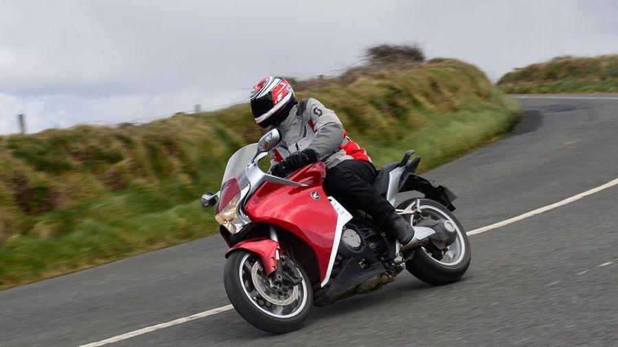 Тест-драйв мотоцикла Honda VFR1200F